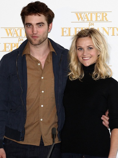 "Robert Pattinson - Reese Witherspoon: ""Đọ dáng"" với voi - 15"