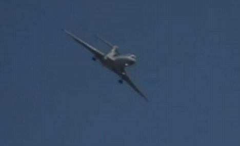 Máy bay Nga lảo đảo trên bầu trời - 1