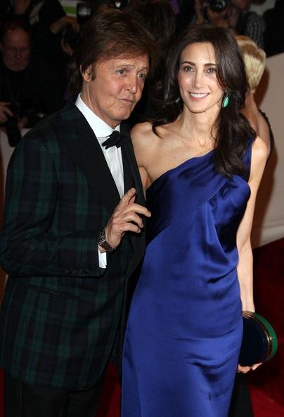 Paul McCartney đính hôn ở tuổi 68 - 1