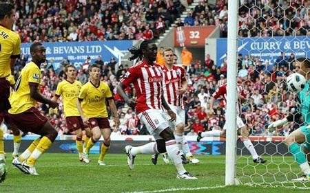 Những khoảnh khắc ấn tượng vòng 36 Premier League - 1