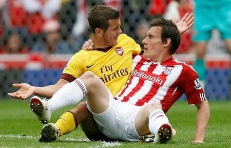 Những khoảnh khắc ấn tượng vòng 36 Premier League - 3