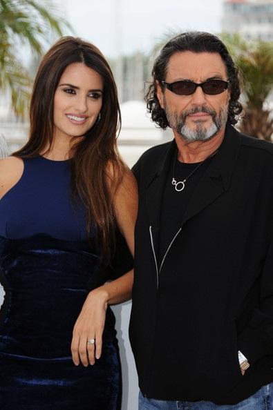 Penelope Cruz sánh đôi Johnny Depp tại LHP Cannes - 15