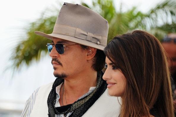 Penelope Cruz sánh đôi Johnny Depp tại LHP Cannes - 7
