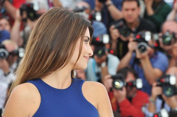Penelope Cruz sánh đôi Johnny Depp tại LHP Cannes - 17