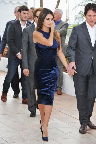 Penelope Cruz sánh đôi Johnny Depp tại LHP Cannes - 24