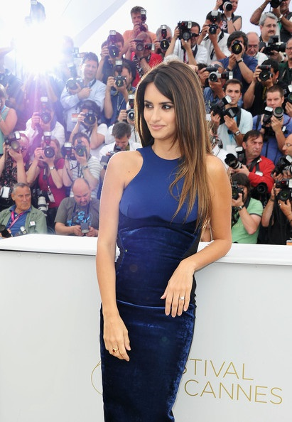 Penelope Cruz sánh đôi Johnny Depp tại LHP Cannes - 25