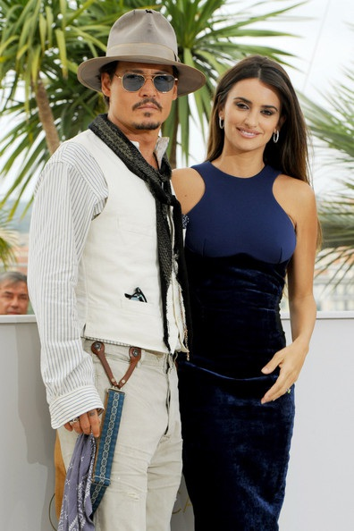 Penelope Cruz sánh đôi Johnny Depp tại LHP Cannes - 2