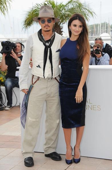 Penelope Cruz sánh đôi Johnny Depp tại LHP Cannes - 5