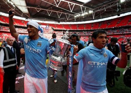 Lễ đăng quang chức vô địch FA hoành tráng của Man City - 3