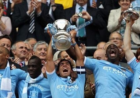 Lễ đăng quang chức vô địch FA hoành tráng của Man City - 1