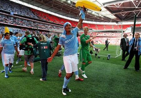 Lễ đăng quang chức vô địch FA hoành tráng của Man City - 4