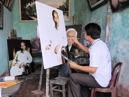 """""""Hình ảnh Bác Hồ là niềm tin đưa tôi đến với đam mê hội họa"""" - 1"""
