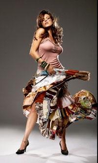 Chân dung cựu Hoa hậu Hoàn vũ từng lên bìa Playboy - 4