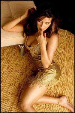 Chân dung cựu Hoa hậu Hoàn vũ từng lên bìa Playboy - 7