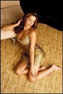 Chân dung cựu Hoa hậu Hoàn vũ từng lên bìa Playboy - 8
