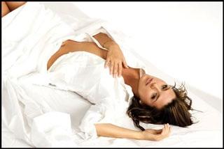 Chân dung cựu Hoa hậu Hoàn vũ từng lên bìa Playboy - 1