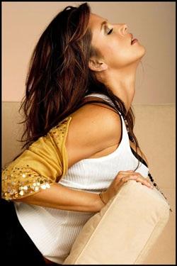 Chân dung cựu Hoa hậu Hoàn vũ từng lên bìa Playboy - 3