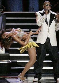 """Màn trình diễn làm """"nóng"""" mắt của Beyoncé - 2"""