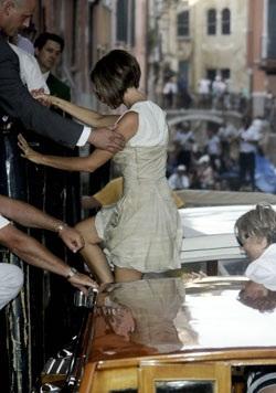 Vợ chồng Beckham đã đến Venice! - 3