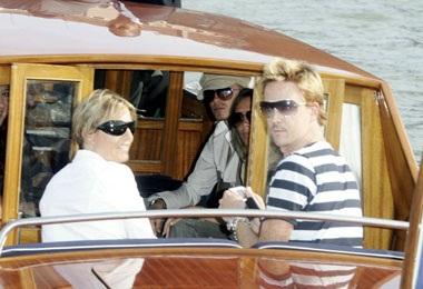 Vợ chồng Beckham đã đến Venice! - 8