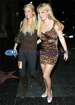 Britney Spear và Paris Hilton ngày càng trở nên thân thiết - 2