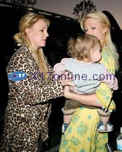 Britney Spear và Paris Hilton ngày càng trở nên thân thiết - 7