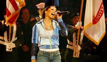 Christina Aguilera: Có còn rực lửa?  - 2