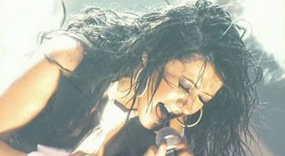 Christina Aguilera: Có còn rực lửa?  - 4