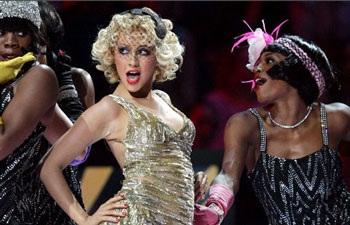 Christina Aguilera: Có còn rực lửa?  - 8
