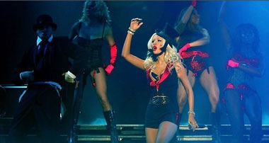 Christina Aguilera: Có còn rực lửa?  - 7
