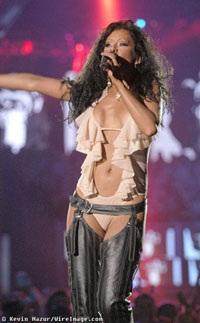 Christina Aguilera: Có còn rực lửa?  - 6