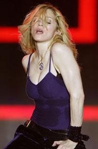 """Madonna """"rực lửa"""" trên sân khấu Coachella - 5"""