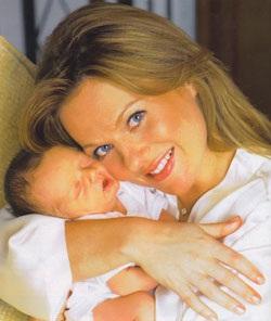 Geri Halliwell: Niềm hạnh phúc của người mẹ can đảm - 2