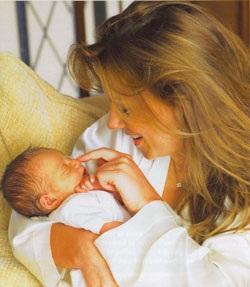 Geri Halliwell: Niềm hạnh phúc của người mẹ can đảm - 7