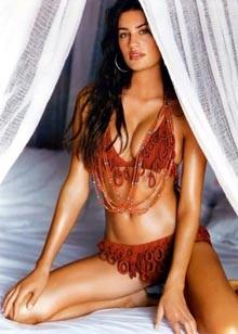 Yamila Diaz-Rahi: Nữ hoàng mỹ phẩm - 2