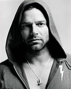 """Ricky Martin trở lại bằng hình ảnh """"nóng bỏng""""  - 2"""