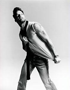 """Ricky Martin trở lại bằng hình ảnh """"nóng bỏng""""  - 5"""
