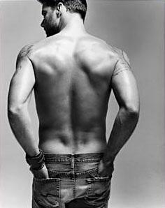 """Ricky Martin trở lại bằng hình ảnh """"nóng bỏng""""  - 7"""