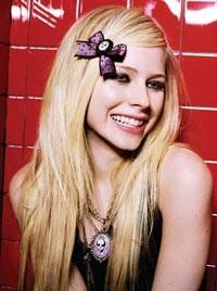 Avril Lavigne: Một ngoại hình hoàn toàn mới  - 13
