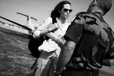 """Angelina Jolie: """"Tôi thực sự bị sốc"""" - 1"""