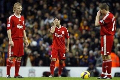 Mascherano muốn Liverpool lập hattrick tại Premier League - 1