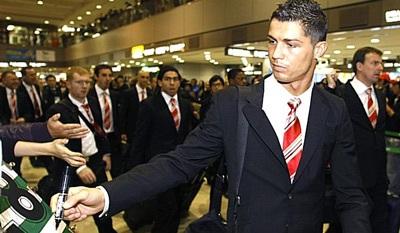 """Rooney và Ronaldo trắng án, """"Quỷ đỏ"""" MU thở phào - 1"""