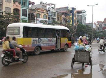 Hà Tây: Rợn tóc gáy vì xe buýt Tín Lợi - 1