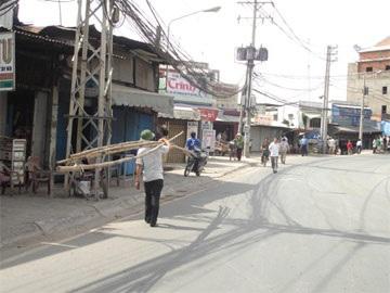 Tài xế bỏ rơ-mooc, cầu Tân Thuận kẹt xe nhiều giờ - 4