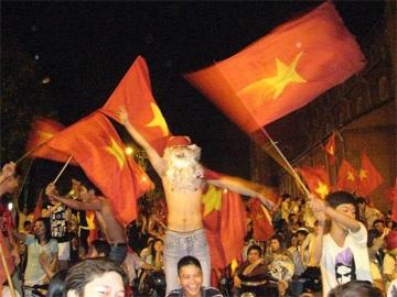 Sài Gòn tưng bừng trong đêm chiến thắng - 5