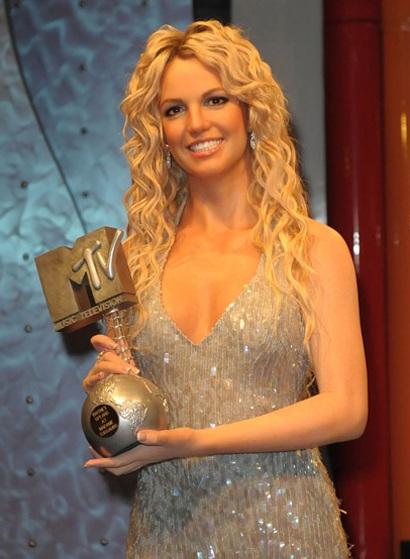 Britney được dựng tượng sáp - 3