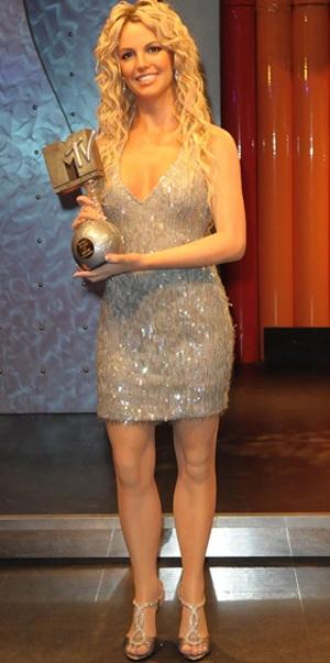 Britney được dựng tượng sáp - 2