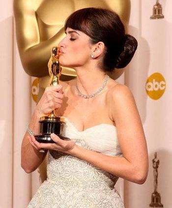 Kate Winslet, Sean Penn, Penelope Cruz, Heath Ledger giành giải Oscar - 1