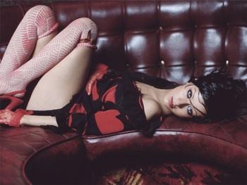"""Christina Aguilera: """"Tôi không chùn bước dù có quá khứ buồn"""" - 1"""