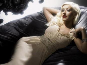 Christina Aguilera: Ảnh đẹp mà không có chỗ đăng! - 7